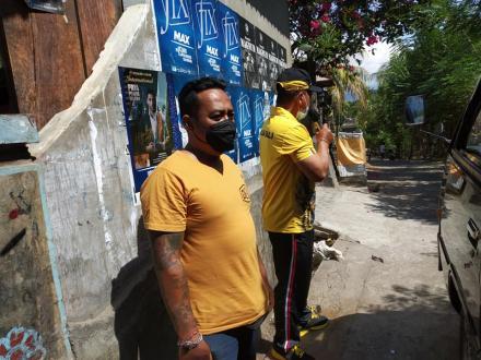 Sosialisasi Keliling Desa Bersama Bhabinkamtibmas Tentang Pelaksanaan Vaksinasi Oleh Polda Bali